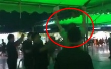 ต้องแบบนี้สิชายไทย!! หนุ่มดีใจจับได้ใบแดง ทหารบก