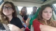 เซลฟี่เป็นเหตุ!!! อัดคลิปร้องเพลง ขณะขับรถ ผลสุดท้ายรถพลิกคว่ำหลายตลบ!!!