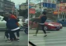อย่างหล่อ!!หนุ่มฮีโร่ อุ้มคนแก่ข้ามถนน ได้ใจสุด!