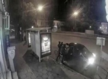 สุดหื่น! แกงค์สาวหื่นดักฉุดหนุ่มหน้าตาดีขึ้นรถ คาป้ายรถเมล์