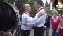 นี้เป็นการขอแต่งงานที่ซึ่งที่สุด!! น้ำตาจะไหล