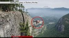 ระทึก! หนุ่มเดินไต่เชือกที่สูงที่สุดในโลก โดยไร้เครื่องป้องกัน!!