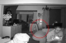 หลอนไปอี๊ก!! ตั้งกล้องพิสูจน์บ้านผีสิง เห็นจะจะเก้าอี้เลื่อนเองได้!!