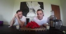 เล่นไม่เข้าท่า!! 2แฝดจอมเพี้ยนแข่งกินน้ำจากพริกเผ็ดที่สุดในโลก!!