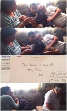 """สุดซึ้ง!! ลูกชาย """"ปลดหนี้"""" ให้พ่อแม่เป็นของขวัญวันคริสต์มาส"""