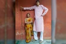 หนุ่มอินเดียร่างโย่งผู้น่าสงสาร!! ตัดพ้อไม่เจอรักแท้เพราะความสูง (ชมคลิป)