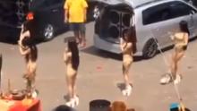 ทำไปได้ สาวๆเต้นแก้บนโดยการใส่ชุดแบบนี้?
