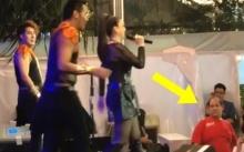หนุ่มเสื้อแดงกับปฏิกิริยาสุดพีคข้างเวที ขณะร่วมชมคอนเสิร์ต คริสติน่า อากีล่าร์ พูดเลยแย่งซีนมาก! (คลิป)