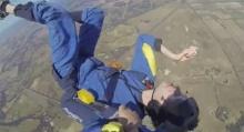 เกือบตาย! หนุ่มลมชักกำเริบขณะโดดร่ม หมดสติกลางอากาศนาน 30 วิ!