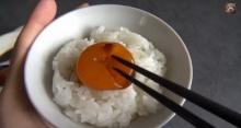 ข้าวหน้าไข่แดง เมนูฮิตจากญี่ปุ่น ทำเองได้ง๊ายง่าย