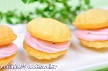 มาเดอลีนมัลเบอร์รี่ครีมชีส Madeleine with Mulberry Cream Cheese