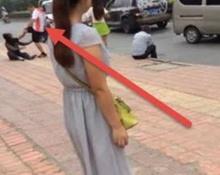ผัวโหด เตะหัวเมีย ล้มคว่ำกลางถนน หลังจับได้แอบนัดกิ๊กกับชายอื่น