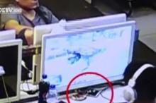 ร้ายกาจ!โจรจีน สุดเนียนใช้เส้นลวดขโมยมือถือลูกค้า....