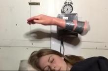 นาฬิกาปลุกแบบนี้ ที่คนนอนขี้เซาคู่ควร!!