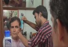 บริการระดับ 5 ดาว ของช่างตัดผมร้านเล็กๆ ในอินเดีย!!!