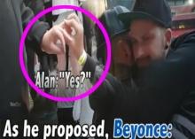 น่ารัก !! คู่รักเกย์ คุกเข่า สวมแหวนขอแต่งกลางคอน บียองเซ่!! (คลิป)