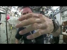 บิดผ้าเปียกน้ำ ในอวกาศ กับผลลัพธ์