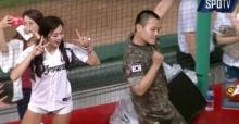 ทหารหนุ่มโชว์เต้นเพลง Cheer Up ของ TWICE ได้อย่างเป๊ะ!