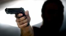 ลูกทรพี !ใช้ปืนลั่นใส่พ่อบังเกิดเกล้า โมโหที่พ่อบ่นต่อหน้าเพื่อน