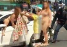 คลิปสะพรึง!!สาวขับรถชนแท็กซี่ แก้ผ้าปีนออกจากรถเต้นยั่วไม่แคร์สายตา!!