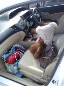 พบหญิงสาวนิรนาม นอนเสียชีวิตอยุ่ในรถ! ปั้มปตทมหาชัย