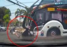 ชนจังๆ!!รถบัสชน2พี่้น้องกระเด็นเจ็บสาหัส!!