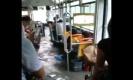 น่าเห็นใจ!!จีนน้ำท่วมหนักมากขนาดบนรถเมล์ก็ไม่เว้น!!