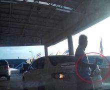แชร์ว่อน!โชเฟอร์แท็กซี่เลือดร้อน ควงขวานขู่หน้าสนามบินภูเก็ต