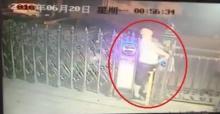 สุดสยอง!! ชายหนุ่มเดินเข้าบ้าน แต่โดนไฟฟ้าช็อตดับอนาถคารั้วบ้าน