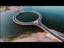 สวยมาก!! อุรุกวัยสร้างสะพานวงกลมข้ามทะเลสาบ ให้ขับรถชมวิว