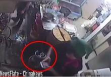 อุทาหณ์!!สาวเดินเล่นมือถือในครัว จนทำให้ครัวระเบิด!!!
