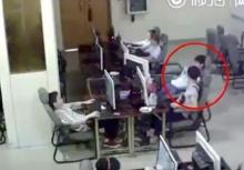 อย่างโหด!! วัยรุ่นจีนถูกไฟดูดจนตายในร้านเน็ต!!