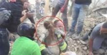 คลิปนาทีช่วยชีวิตดญ.วัย 10 ขวบติดใต้ซากตึก เหตุแผ่นดินไหวที่อิตาลี