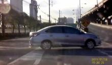 คลิปเตือนภัย! ขับรถแบบนี้...นี่แหละเมืองไทย!!