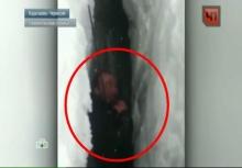 ระทึก!!หนุ่มติดอยู่ในร่องน้ำแข็งลึก3.5กิโลนานเป็นวัน!!