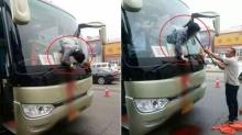 คลิปช็อก! ผดส.คลั่ง พุ่งทะลุกระจกหน้ารถบัส เจ็บหนัก