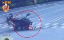 อาชีพเสี่ยงตาย รถชนพนักงานกวาดถนน รอดปาฏิหาริย์