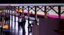 วินาทีชีวิต!! หนุ่มฆ่าตัวตายกระโดดให้รถไฟทับที่หัวลำโพง
