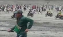 ยิ่งกว่าสงคราม!คลิประทึกคนงานฟรีเเลนซ์วิ่งเร็วทะลุนรกเเย่งหยกในเมียนมา