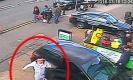 แมนมาก!!ต่อยหน้าผู้หญิงจนกรามหัก เพราะถูกห้ามจอดรถหน้าร้าน!!