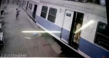 นาทีชีวิต!! รถไฟหลุดจากราง พุ่งทะยานขึ้นชานชาลา คนแห่วิ่งหนีตาย