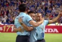 สะใจแบบสุดๆๆ เมื่อทีมชาติไทยตีเสมอ 2-2 มาดูประตูที่ 101 ของทีมชาติไทยในบอลโลก