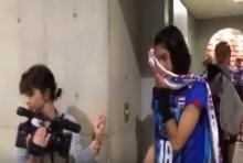 ชมคลิปสุดสะเทือนใจ! นักวอลเลย์บอลสาวทีมชาติไทย หลังแข่ง เดินออกจากสนามด้วยน้ำตา