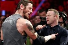 หยอกกันแรง!! รูนีย์ตบหน้านักมวยปล้ำ WWE ล้มทั้งยืน