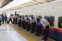 7 นาทีมหัศจรรย์ ของทีมทำความสะอาดรถไฟ ที่คุณดูแล้วต้องอึ้ง!!