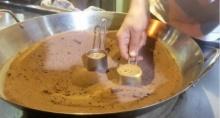 งงเลย!! วิธีการทำกาแฟแบบเหนือชั้นและไม่เหมือนใคร ใช้ไฟ กระทะและทราย